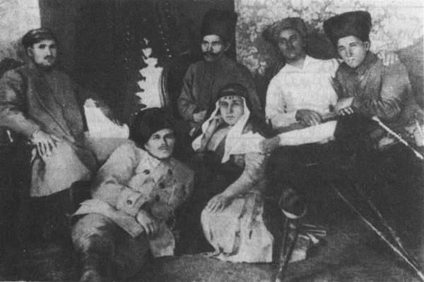 Каретников, Петренко, Махно, медсестра, Куриленко, Васильєв.