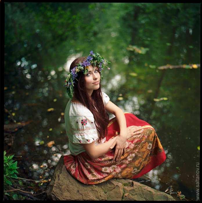 Дівчина на березі річки » Український портал - Таємна Січ 7c2efa95d1a51