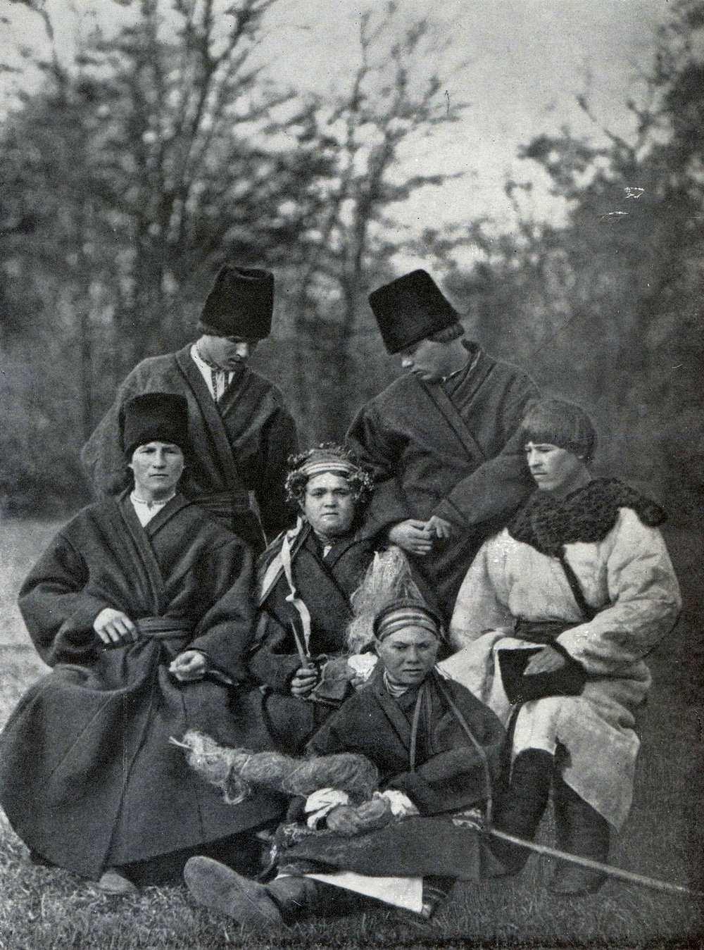 Весільна група в зимовому одязі