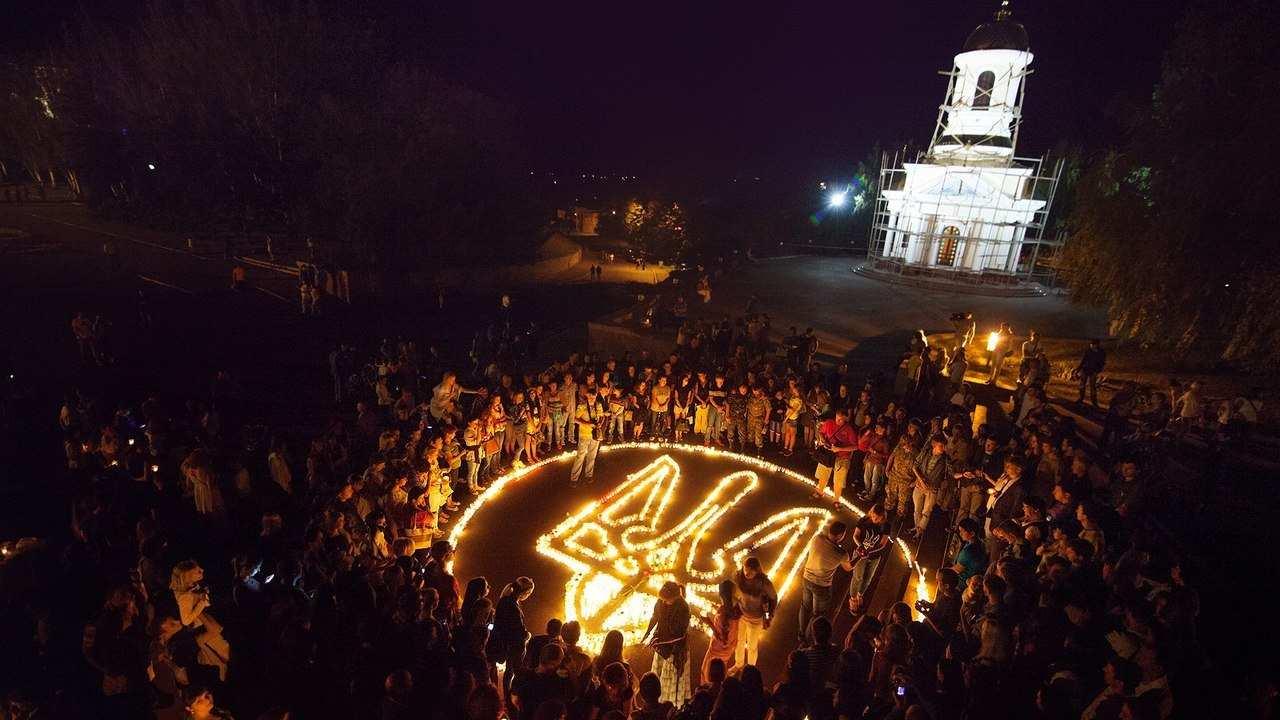 Тризуб з свічок в Миколаєві