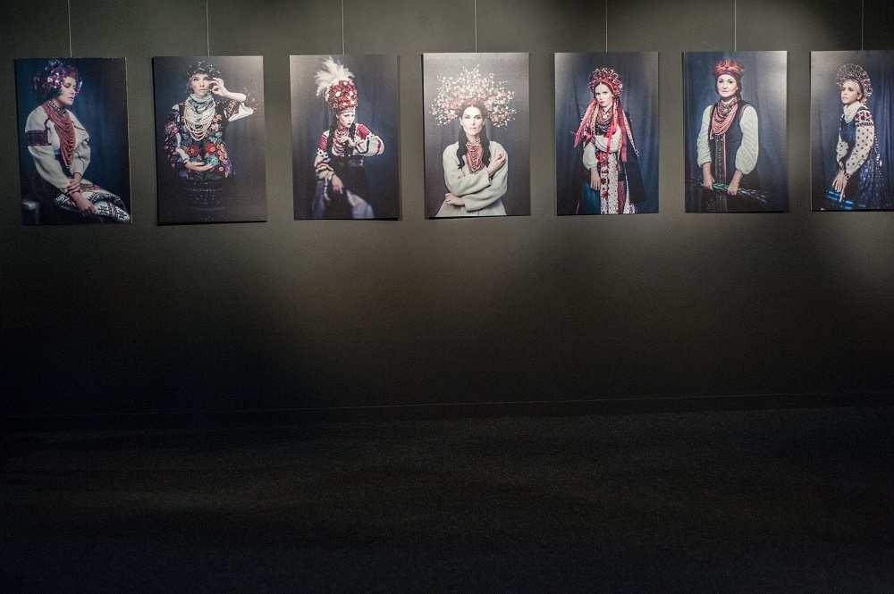 Фото дівчат з проекту