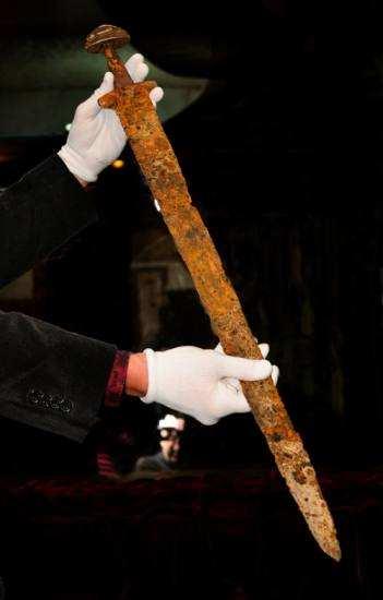 Фото меча Святослава
