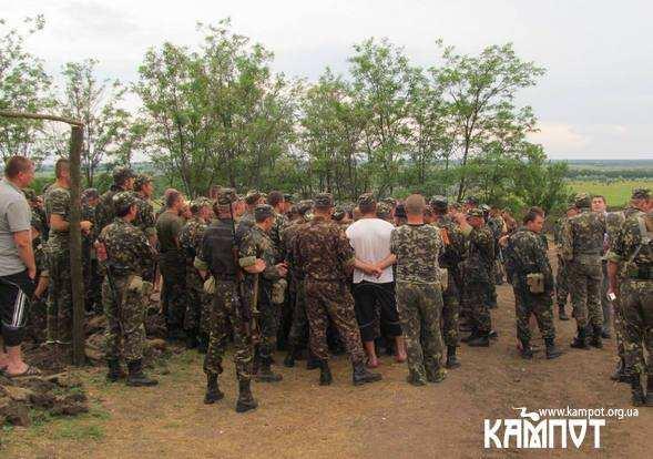 Українські солдати на сході