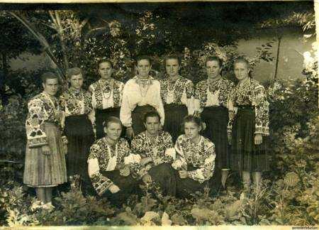 Фото українців після 2-ї світової війни.
