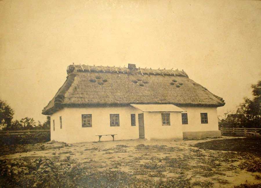 Фотографія української хати
