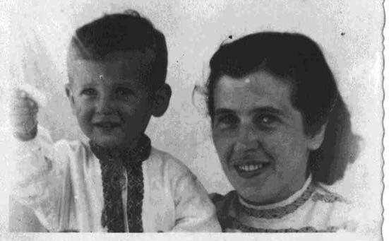 Катерина Зарицька з сином Богданом