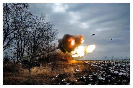 Українська артиллерія і танки в роботі