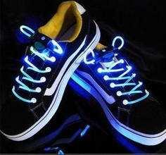 Шнурки, що світяться